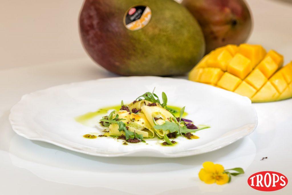 Ravioli de mango con queso de cabra y tapenade por Dani García